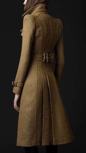 trench-burberry-in-stile-anni-30