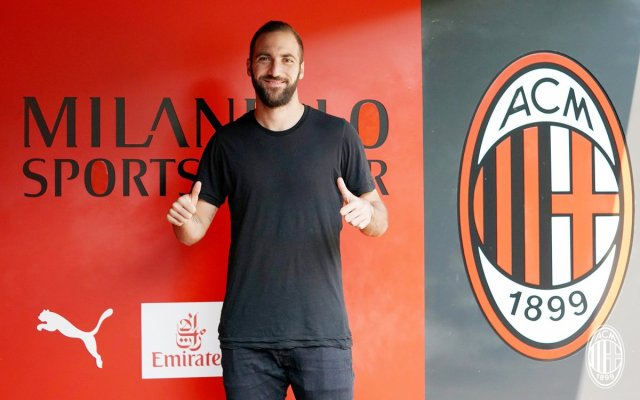 Higuain at Milanello
