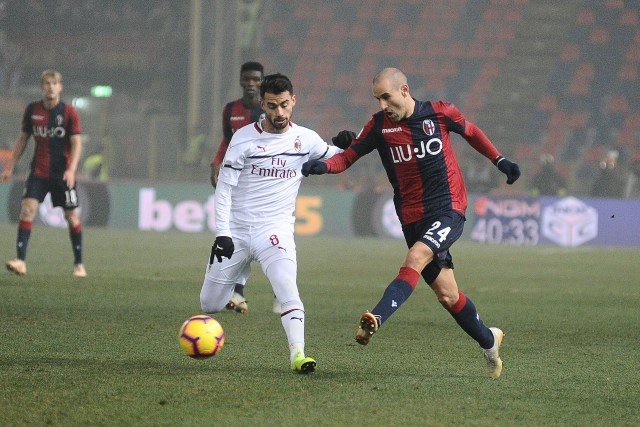 BOLOGNA, ITALY - DECEMBER 18: Rodrigo Palacio of Bologna FC in action during the Serie A match between Bologna FC and AC Milan at Stadio Renato Dall'Ara on December 18, 2018 in Bologna, Italy. (Photo by Mario Carlini / Iguana Press/Getty Images)