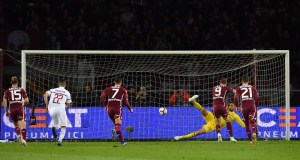 TURIN, ITALY - APRIL 28: Andrea Belotti (C) of Torino FC scores the opening goal from the penalty spot during the Serie A match between Torino FC and AC Milan at Stadio Olimpico di Torino on April 28, 2019 in Turin, Italy. (Photo by Valerio Pennicino/Getty Images)