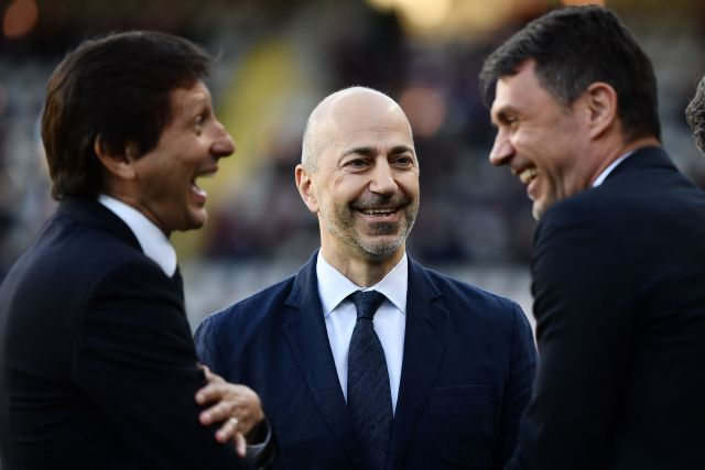 Milan's CEO Ivan Gazidis (C), Milan's Brazilian technical director Leonardo (L) and Milan's Italian technical director Paolo Maldini, talk prior to the Italian Serie A football match between Torino and AC Milan on April 28, 2019 at the Grande Torino stadium in Turin. (Photo by MARCO BERTORELLO / AFP) (Photo credit should read MARCO BERTORELLO/AFP/Getty Images)