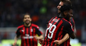 MILAN, ITALY - MAY 06: Fabio Borini of AC Milan celebrates his goal with his team-mate Franck Kessie #79 during the Serie A match between AC Milan and Bologna FC at Stadio Giuseppe Meazza on May 6, 2019 in Milan, Italy. (Photo by Marco Luzzani/Getty Images)