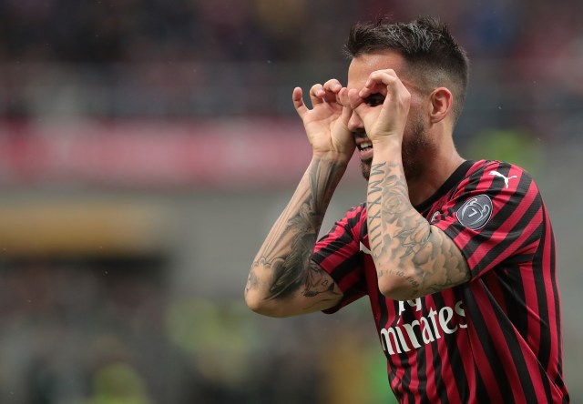 MILAN, ITALY - MAY 19:  Fernandez Suso of AC Milan celebrates his goal during the Serie A match between AC Milan and Frosinone Calcio at Stadio Giuseppe Meazza on May 19, 2019 in Milan, Italy.  (Photo by Emilio Andreoli/Getty Images)