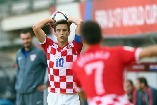 CHILLAN, CHILE - NOVEMBER 01: Nikola Moro of Croatia throws in the ball during the FIFA U-17 World Cup Chile 2015 Quarter Final match between Croatia and Mali at Estadio Nelson Oyarzun Arenas on November 1, 2015 in Chillan, Chile. (Photo by Alex Grimm - FIFA/FIFA via Getty Images)