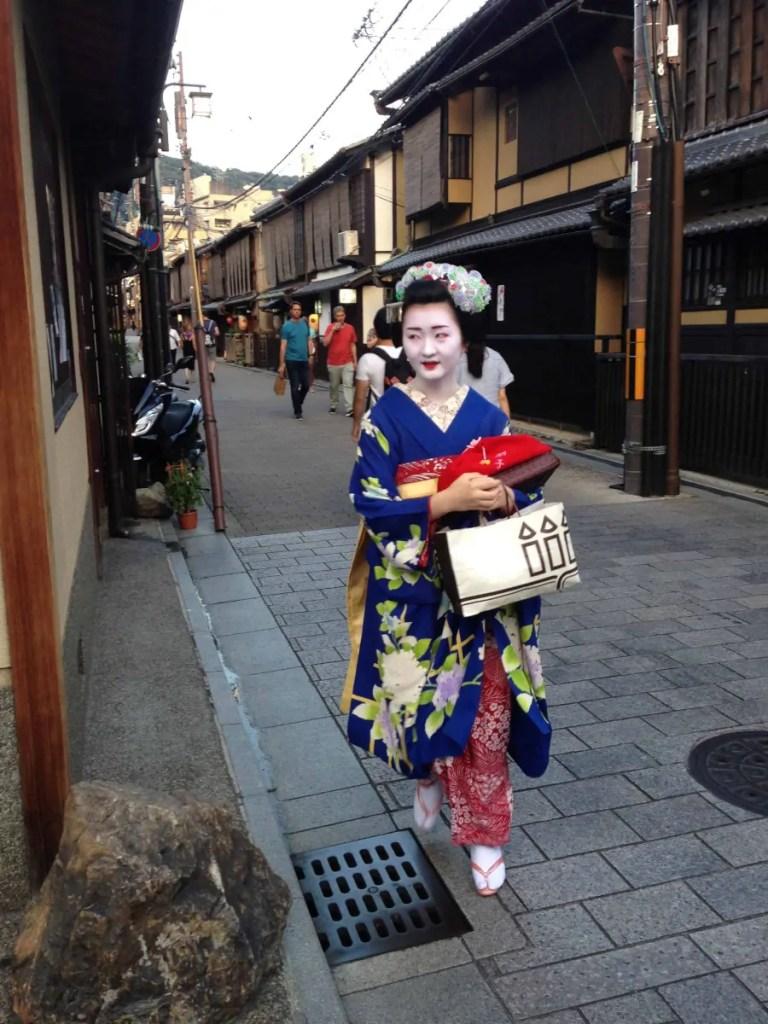 Geisha come sono fatti trucco e vestiti