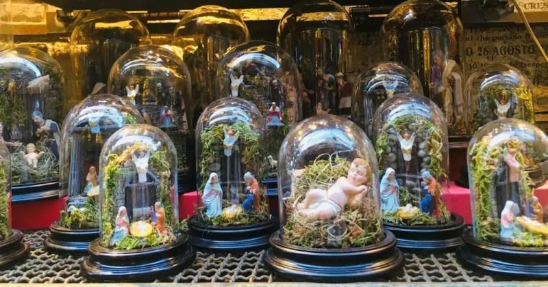 Presepi sotto-vetro napoletani