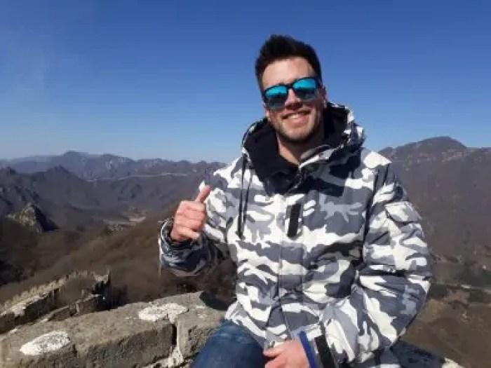 Guido e la Grande Muraglia Cinese sullo sfondo Cina