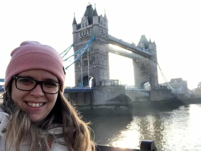 Il Tower Bridge a Londra al mattino