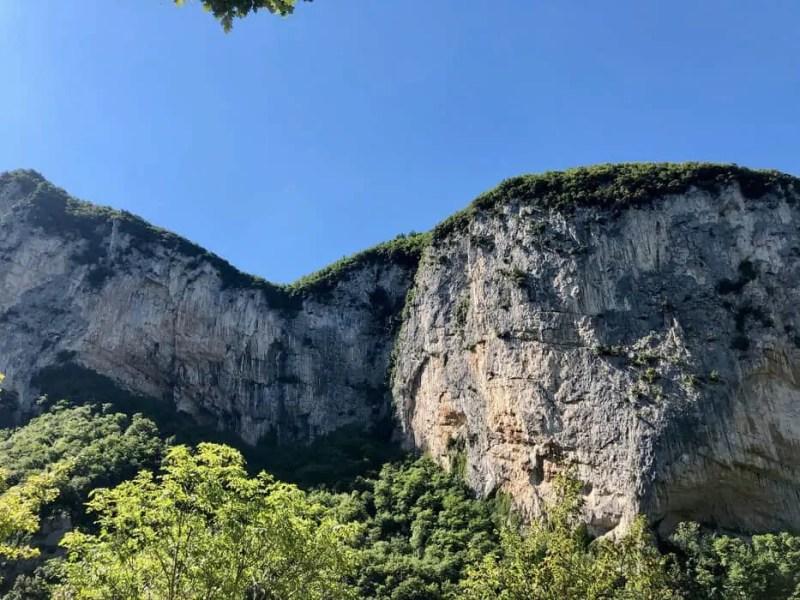 Le Montagne delle Grotte di Frasassi