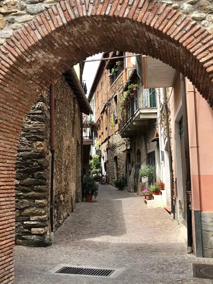 Villanova d'albenga e il suo centro storico
