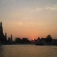 Menanti Senja di balik Wat Arun, Bangkok