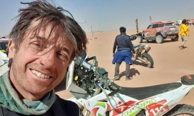 Dakar 2021 : un motard français dans le coma après un grave accident