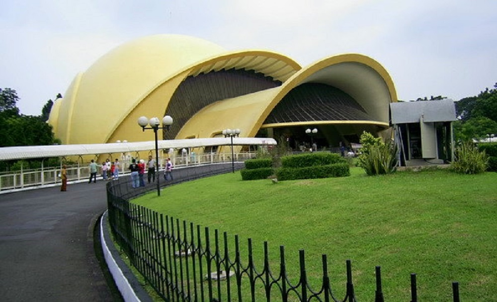 Teater Keong Emas TMII
