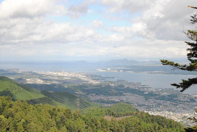 向こうに見えるのが瀬田の唐橋…という話です