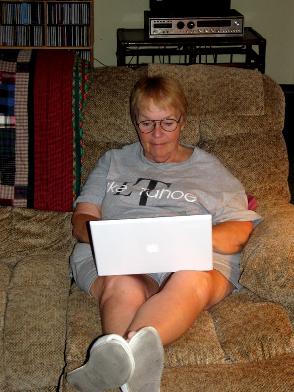 Betsy using her new MacBook.  August 9, 2009.