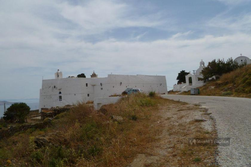Monastyr Taxiarches na Serifos w archipelagu Cyklad