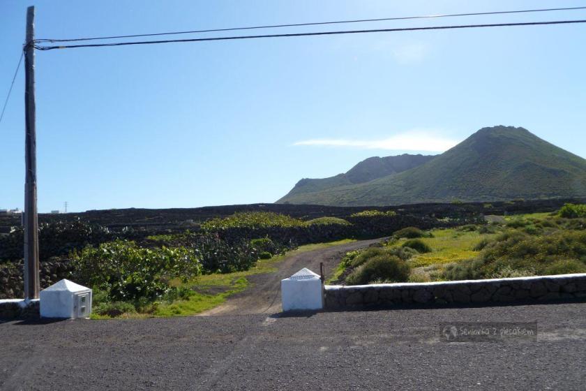 Ye - początek szlaku na wulkan La Corona