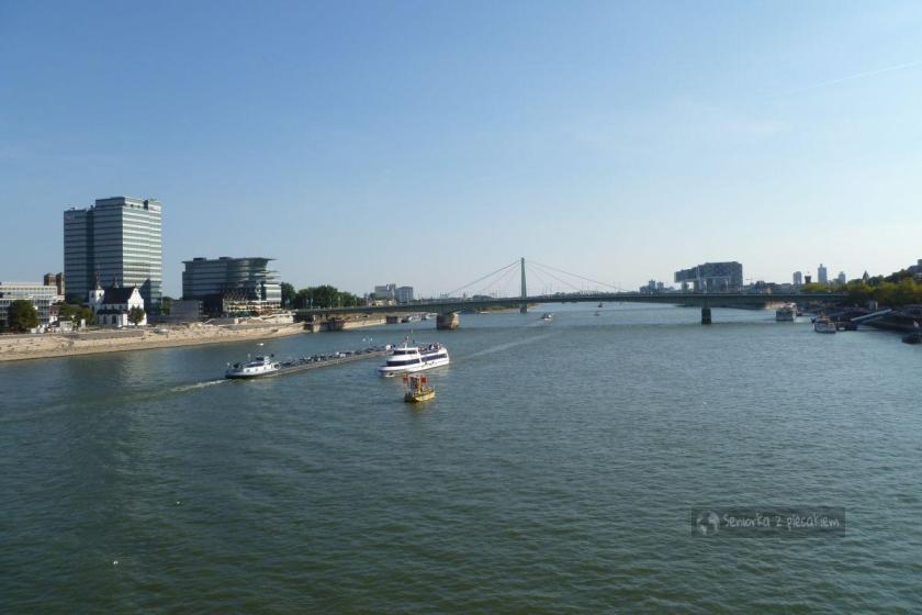 Widok na Ren z mostu Hohenzollernbrücke