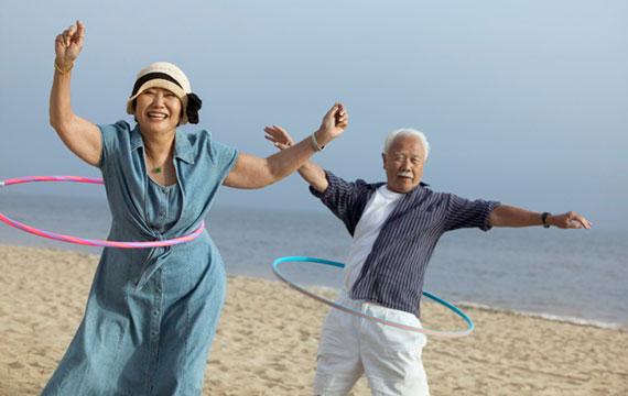 Senior-couple-hula-hoops-Senior-Planet