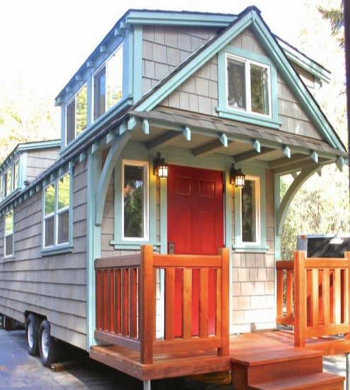 A typical craftsman-style house, by Molecule Tiny Homes