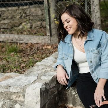 senior portrait ideas, outdoors, natural light, austin texas