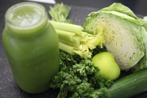 green juice, cabbage, apple
