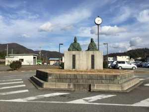 浅井長政とお市の方銅像