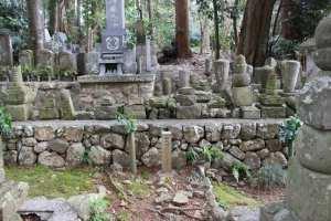 桶狭間の戦いにて討死した井伊家の家臣の墓