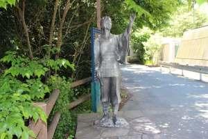 大祝鶴姫の銅像