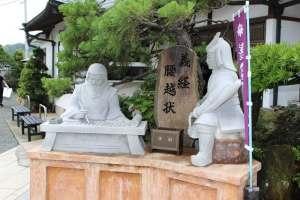 弁慶と源義経の像