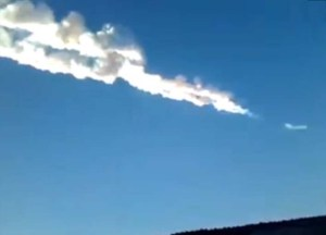 vapor trails russian meteorite
