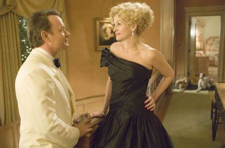 "Tom Hanks, Julia Roberts in ""Charlie Wilson's War"" von Mike Nichols"