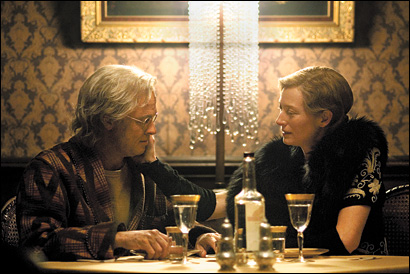 Brad Pitt und Tilda Swinton in The Curious Case of Benjamin Button