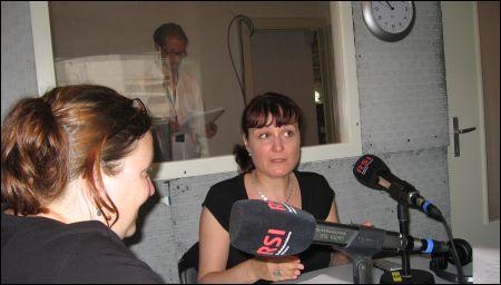 Brigitte Häring & Stephanie Chuat, hinter der Scheibe: Thomas Gutersohn