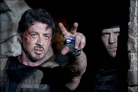 Auch nicht wirklich unverpassbar: Sylvester Stallone und Jason Statham in Stallones 'The Expendables' ©Ascot-Elite