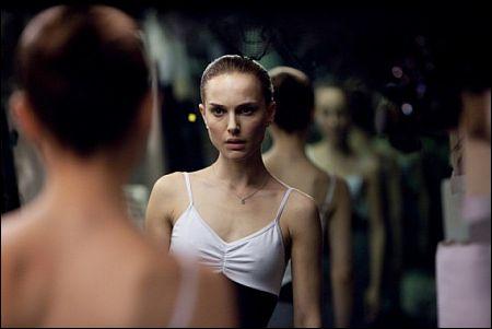 Multiple Natalie Portman in 'Black Swan' ©20th Century Fox