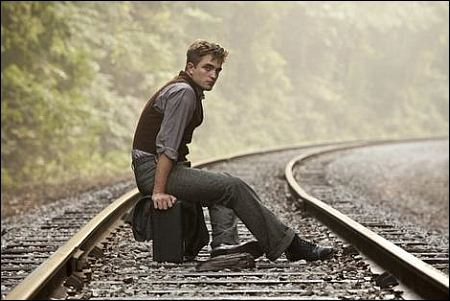 Robert Pattinson in 'Water for Elephants' ©fox