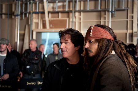 Rob Marshall mit Johnny Depp auf dem Set von 'Pirates 4'