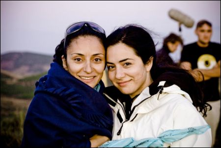 Yasemin Samdereli (links) und Nesrin Samdereli ©filmcoopi