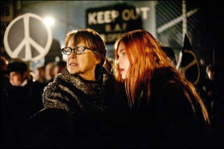 Annette Bening und Elle Fanning in 'Ginger & Rosa' von Sally Potter ©filmcoopi
