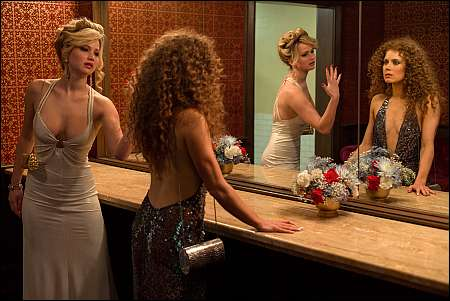 Jennifer Lawrence und Amy Adams in 'American Hustle' © Ascot-Elite