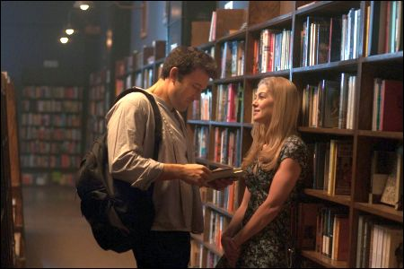Nick Dunne (Ben Affleck), Amy Dunne (Rosamund Pike)