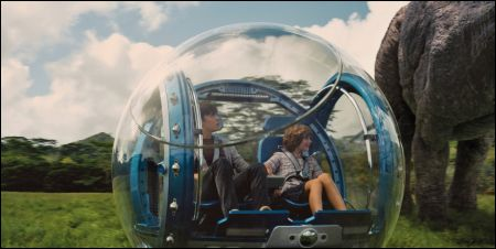 Nick Robinson und Ty Simpkins in 'Jurassic World'