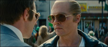 Johnny Depp (rechts!) in 'Black Mass' © Warner