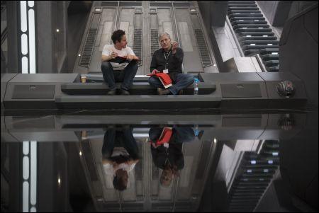 Director/Producer/Screenwriter J.J. Abrams und Screenwriter Lawrence Kasdan © Lucasfilm 2015