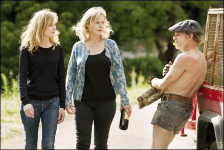Isabelle Carré, Karin Viard, Denis Lavant in '21 nuits avec Pattie' © filmcoopi