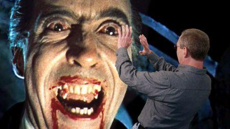 Eine Begegnung: Christopher Lee als Dracula und Michael Sennhauser © SRF / Matthias Willi