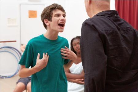 Tony beim Schauspielunterricht © Look Now