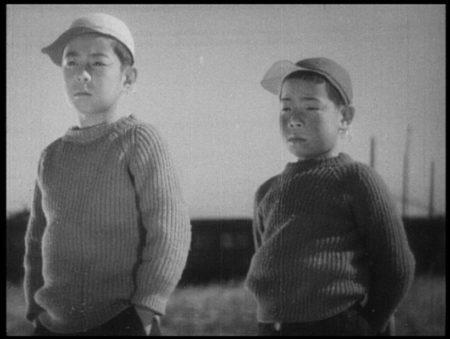 'Otona no miru ehon - Umarete wa mita keredo' von Yasujirô Ozu (1932)