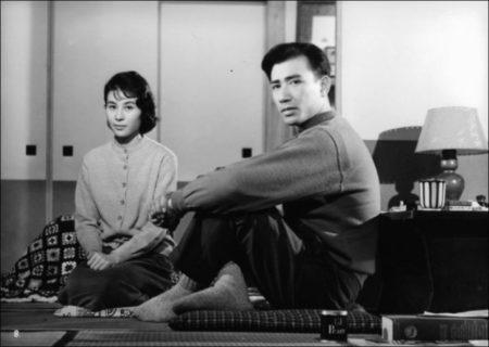 Yoshiko Kuga and Keiji Sada in 'Ohayô' von Ozu (1959)